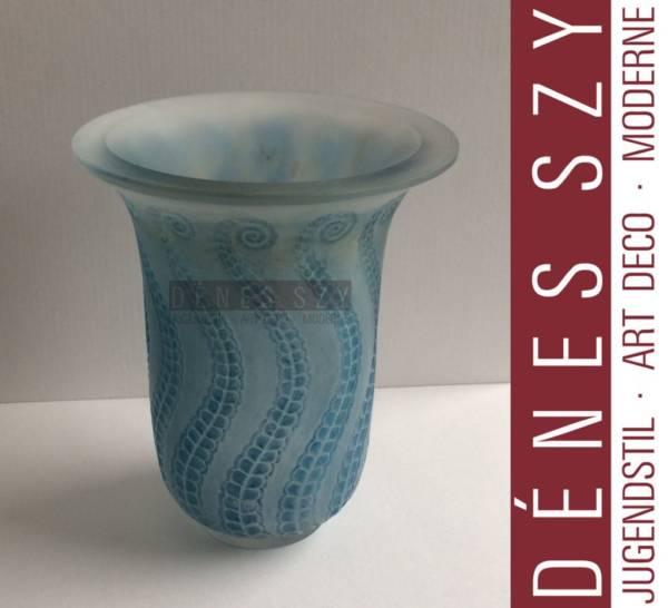 R. Lalique France opalescent blue glass vase Meduse 1921