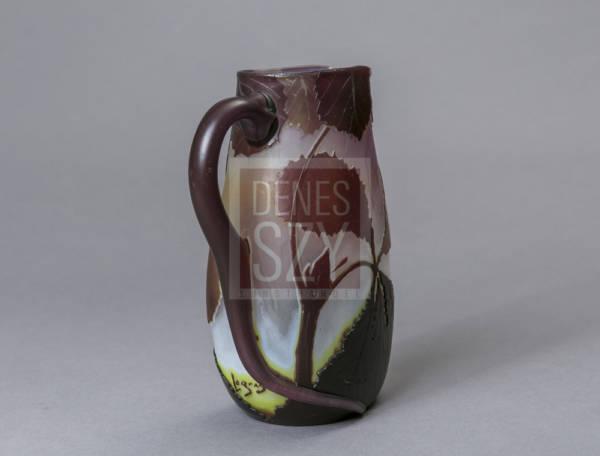 Art Nouveau Weinkrug aus Glas von Legras St. Denis um 1905 mit Weinlaubdekor und organisch ausgeformtem Henkel