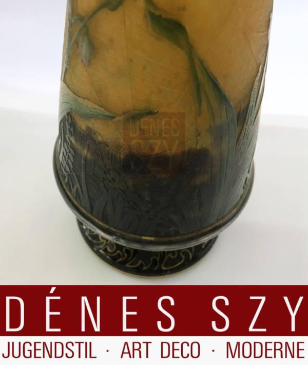 Jugendstil Glas Vase von Daum Nancy mit Insektendekor, Glas geschnitten und geaetzt, mit Gold gehoeht