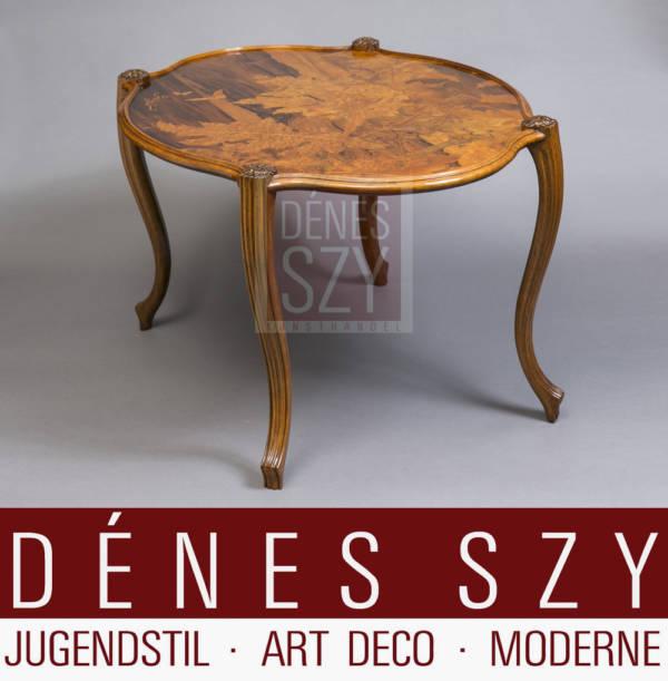 Ovaler Beistellt Sofa Tisch aus Edelhoelzern mit feinen Marketerien