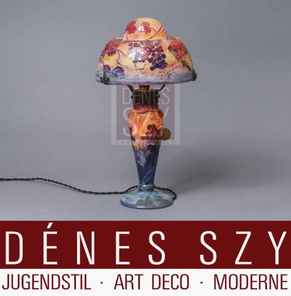 Daum Nancy Art Nouveau Lampe de table en verre avec vigne et escargot