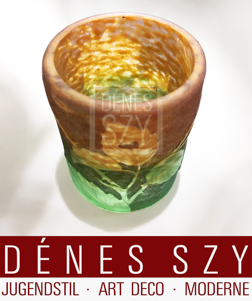 Ecole de Nancy Becher Vase, Cameo Glass, geschnitten und geätzt