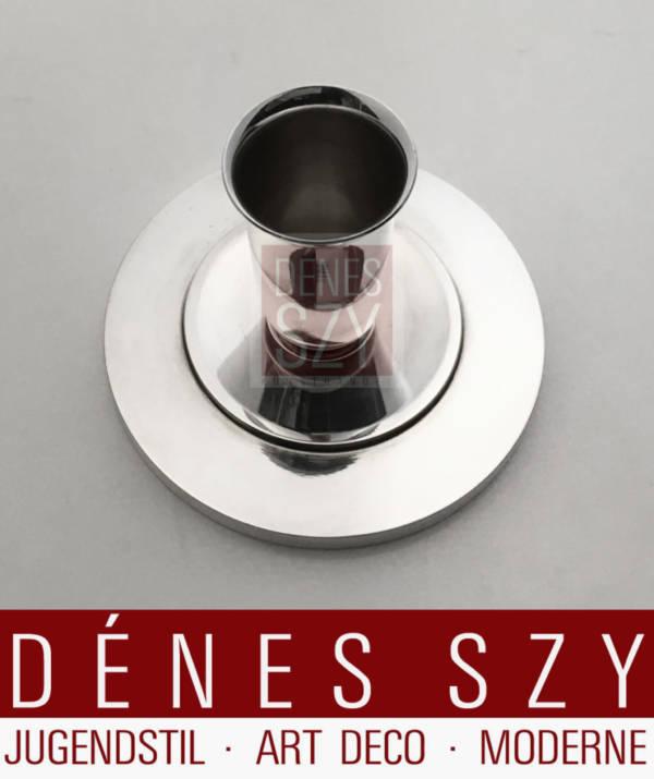 kleiner Silber Kerzenhalter der Georg Jensen Silberschmiede aus Sterlingsilber, zugehoergig zur Pyramidenserie von Harald Nielsen ca 1932