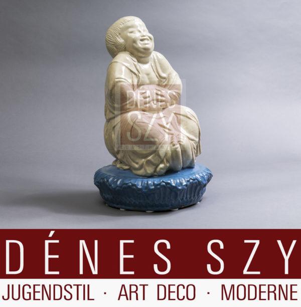 Bernhard Hoetger Buddhafigur, Glasur in Beige mit blauer Basis