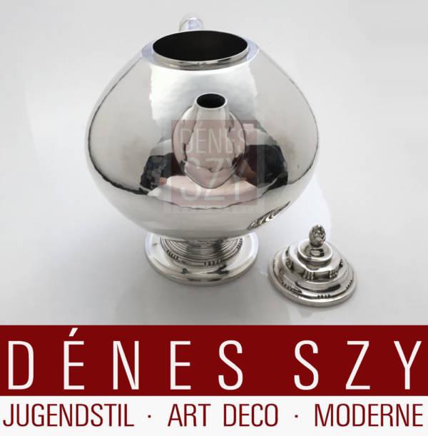 Teiera # 279 in argento Art Deco con manico in avorio, Design: Johan Rohde 1918/19, Esecuzione: argentiere Georg Jensen, Copenhagen 1919, Danimarca, argento 830 con manico in avorio