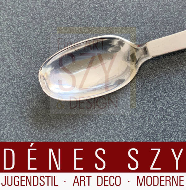 Art Deco Georg Jensen silver cutlery dessert spoon, Pattern: pyramid 15, Design: Harald Nielsen 1927 - Pyramid Collection, Execution: Georg Jensen silversmith's, Copenhagen 1930 Denmark, silver 830