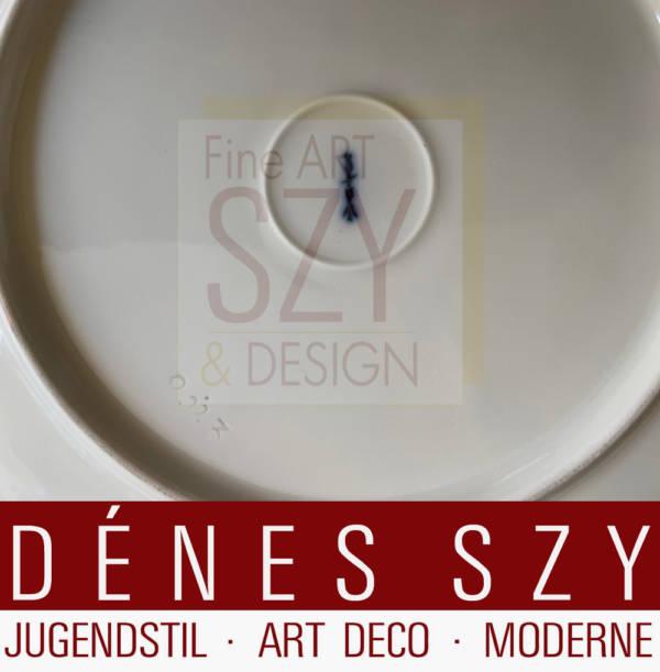 Piatto da cena, Modello: Urbino con bordo celadon / bordo festa, Design: Trude Petri 1931, Esecuzione: KPM Berlin, contrassegnato con scettro blu e lettera dell'anno per il 1938