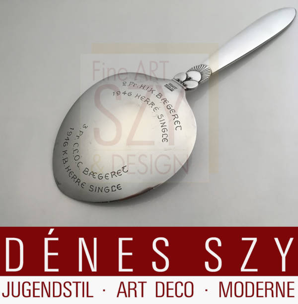 Heart-shaped server, model: KAKTUS / CACTUS, Design: Gundorph Albertus 1930, Execution: Georg Jensen silversmith's, Copenhagen 1946-51, Denmark, Jensen & Wendel, 925 silver, sterling silver