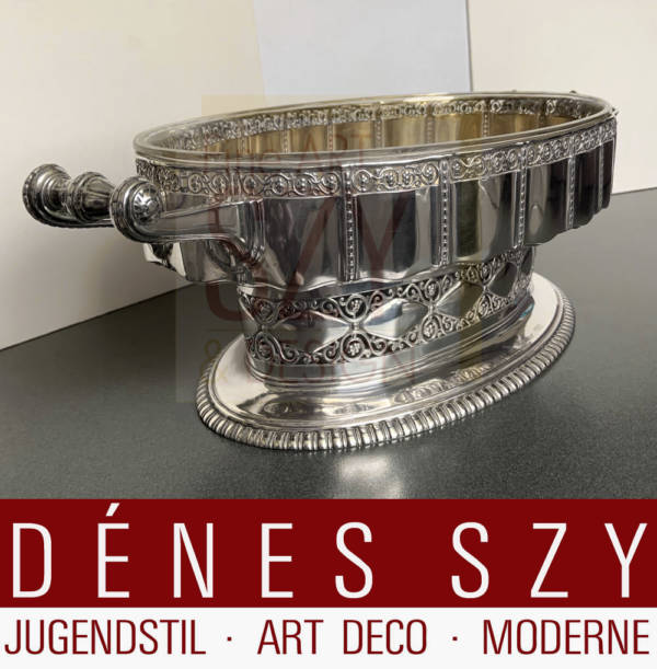 Imposing german Art Nouveau jardiniere with original glass insert, Design: Carl Stock around 1910, Execution: Peter Bruckmann and Sons, Heilbronn Germany around 1910, Model number 11036