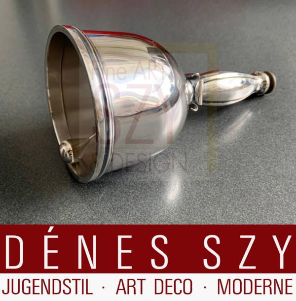 Imposante Art Deco Glocke / Tischglocke, in der Tradition der dänischen Silberschmiedekunst, Entwurf und Ausführung: USA 1920er / 1930er Jahre, Metall versilbert