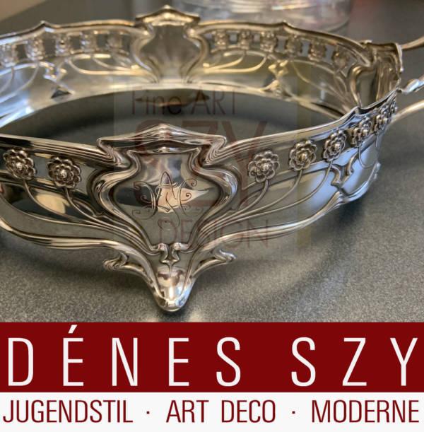 Ovale Jugendstil Jardiniere mit Original Glaseinsatz, Modellnummer 39830, Entwurf & Ausführung: Fa. Koch & Bergfeld, Bremen ca. 1901/02, Silber 800