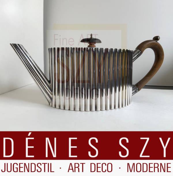 Außergewöhnliche Silber Teekanne, Ausführung: London 1775, England, Sterling Silber 925, wahrscheinlich Edelholzgriff und Henkel