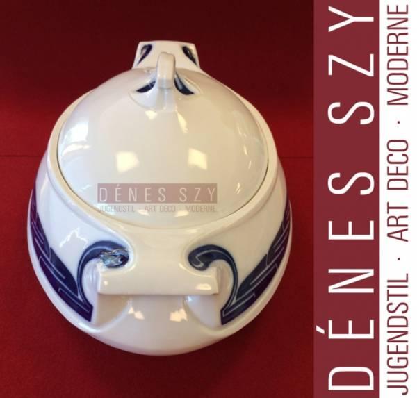 Henry van de Velde Meissen porcelain large covered soup turren, Décor Peitschenhieb (whiplash)
