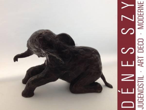 Renée SINTENIS: Kniender Elefant. Bronze 1936
