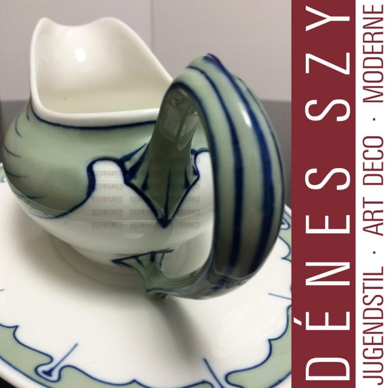Meissen design Hentschel wing pattern Art Nouveau porcelain gravy boat