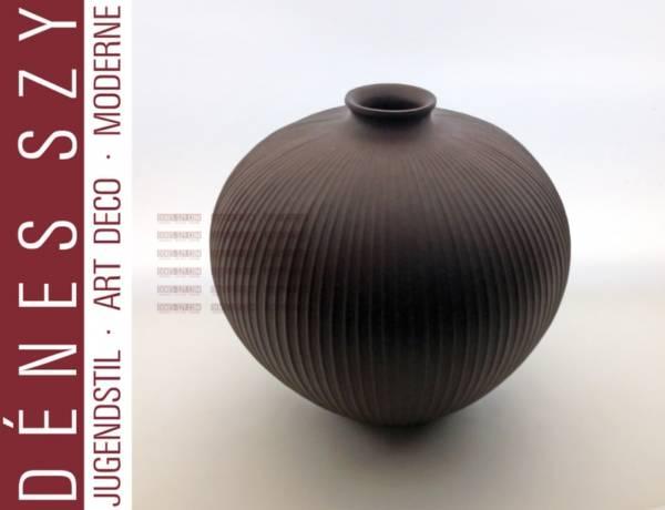 Vase sphérique en porcelaine de basalte, Dessin: Trude Petri 1937, exécution: KPM Berlin, Allemagne, Marque sceptre en bleu