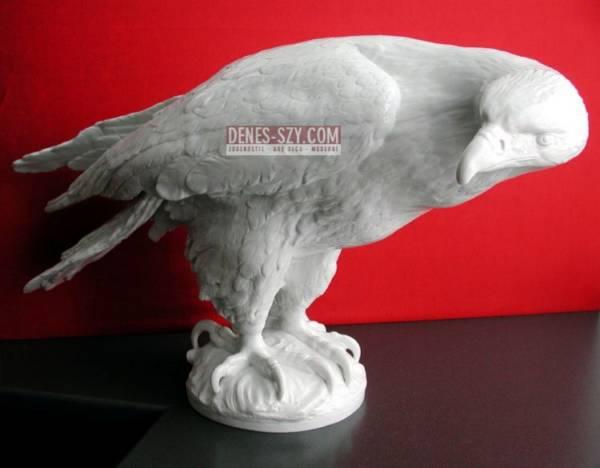 ARTHUR STORCH Volkstedt Großer Adler PORZELLANFIGUR