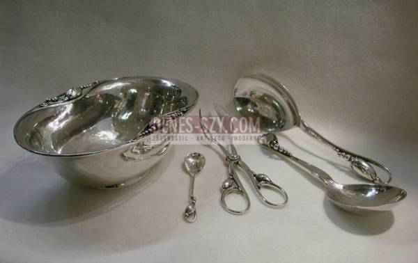 Georg Jensen silver Blossom pattern deep candy bowl 84