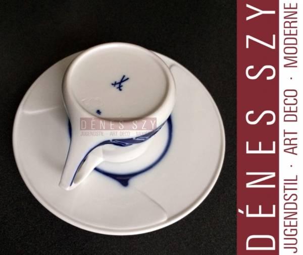 TASSE DE MOKA en porcelaine de motif coup de fouet, Henry van de Velde, Meissen1900