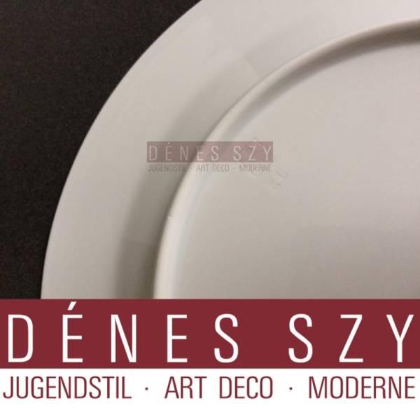 Henry van de Velde, Meissen Art Nouveau porcelain, whiplash pattern, dessert plate